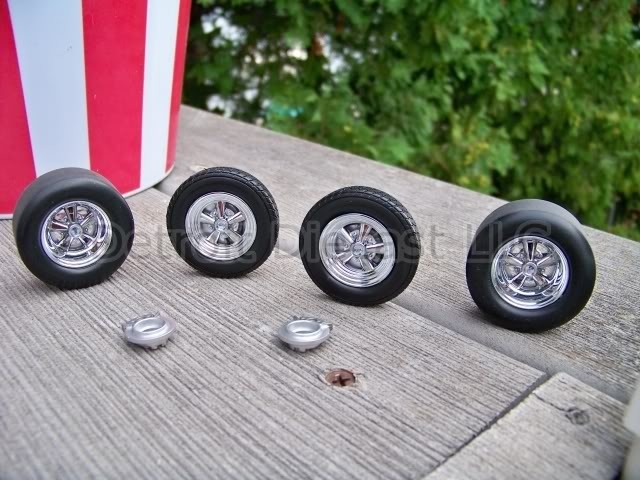 American Tire Center >> 1:18 Classic American NOS Detroit DieCast Chrome Cragar Wheel Tire Set 1 of 325