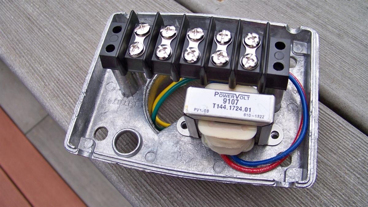 Detroit diecast oem 70 volt drive in speaker junction box price 1995 sciox Gallery